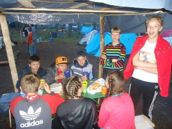 Будни палаточного лагеря